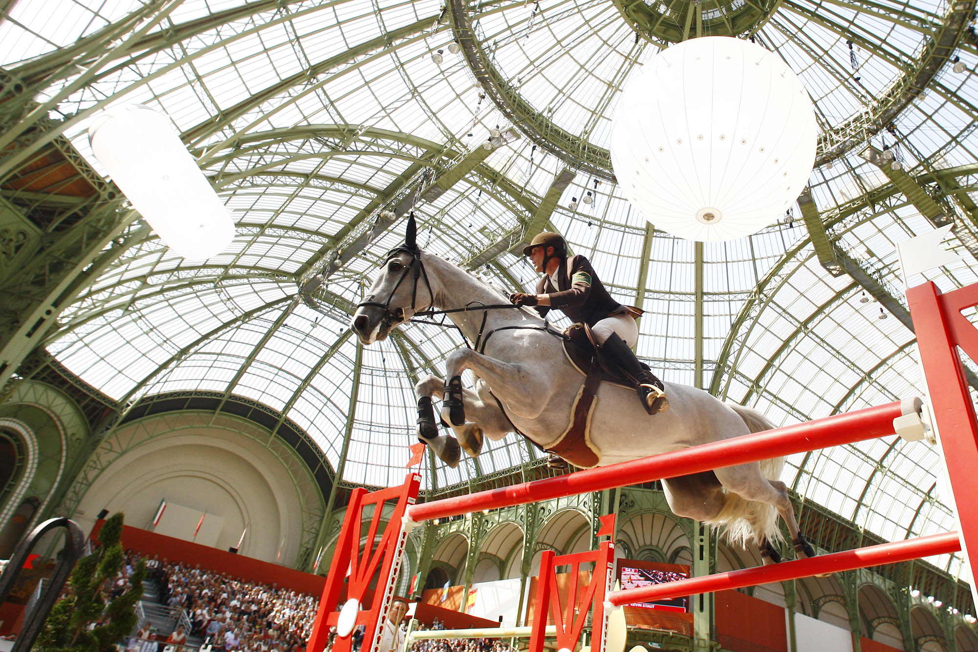 Saut Hermès (Grand Palais, Paris, FRANCE, 2011) Copyright ERIC RENARD