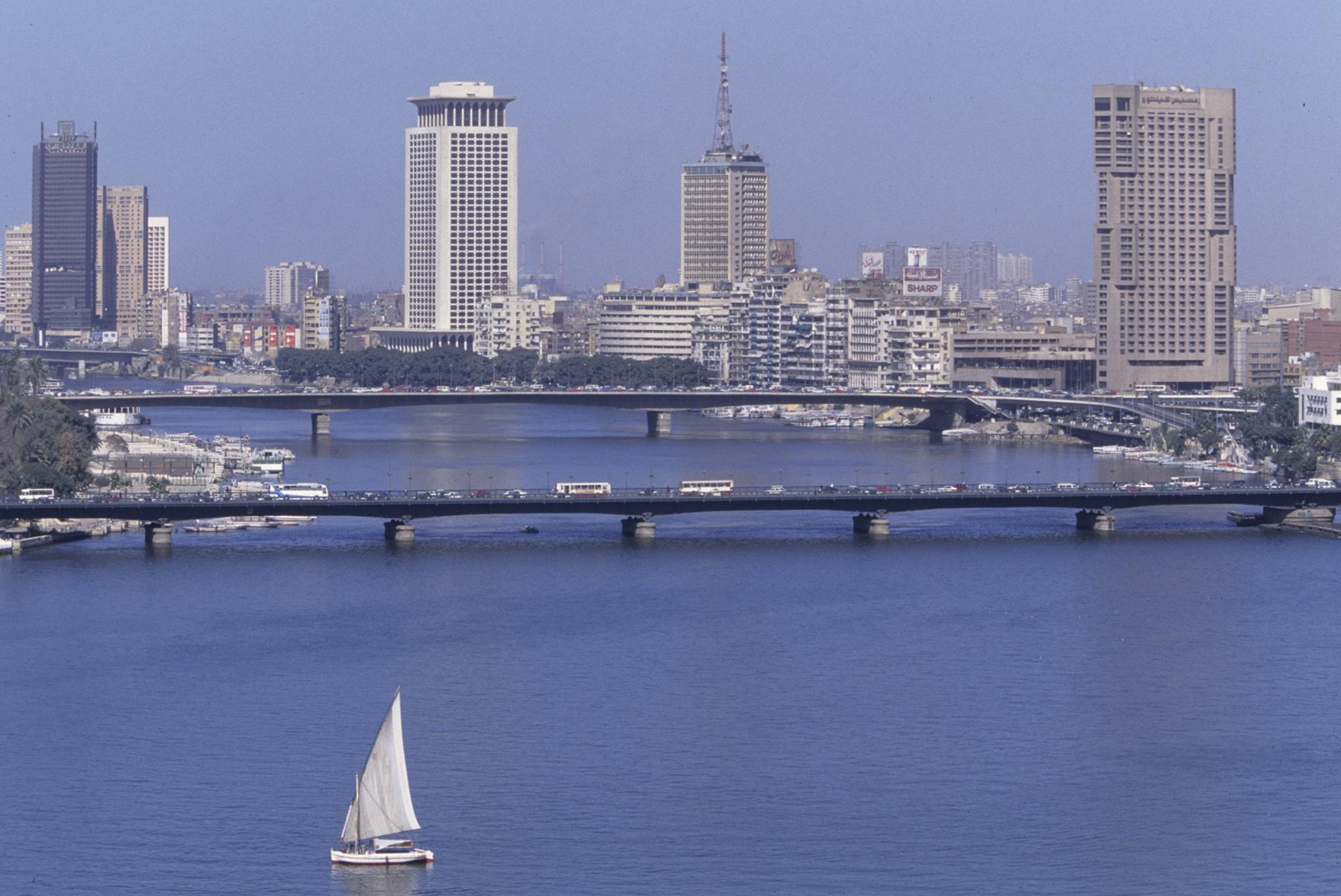 Felouque sur le Nil (Le Caire, EGYPTE, 1999) Copyright ALAIN GADOFFRE