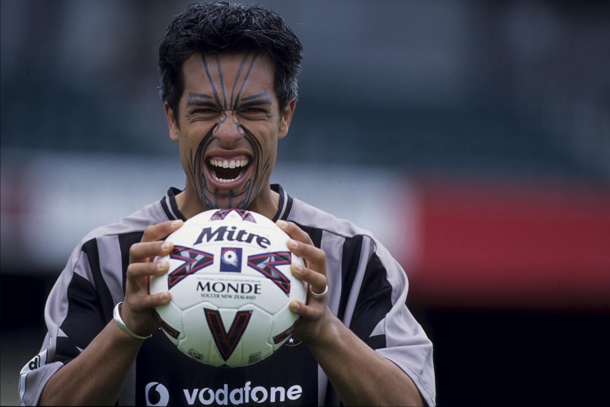Harry Ngata, un maori chez les All Whites (Auckland, NOUVELLE-ZELANDE, 1999) Copyright ALAIN GADOFFRE