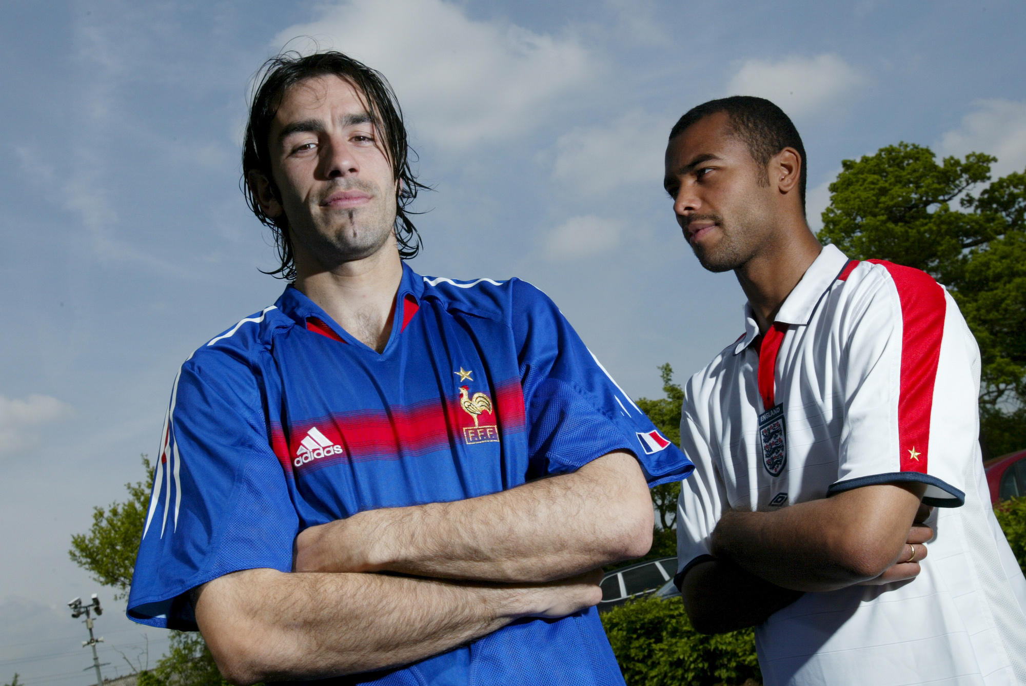 Robert Pires & Ashley Cole (St-Albans, ANGLETERRE, 2004) Copyright ALAIN GADOFFRE