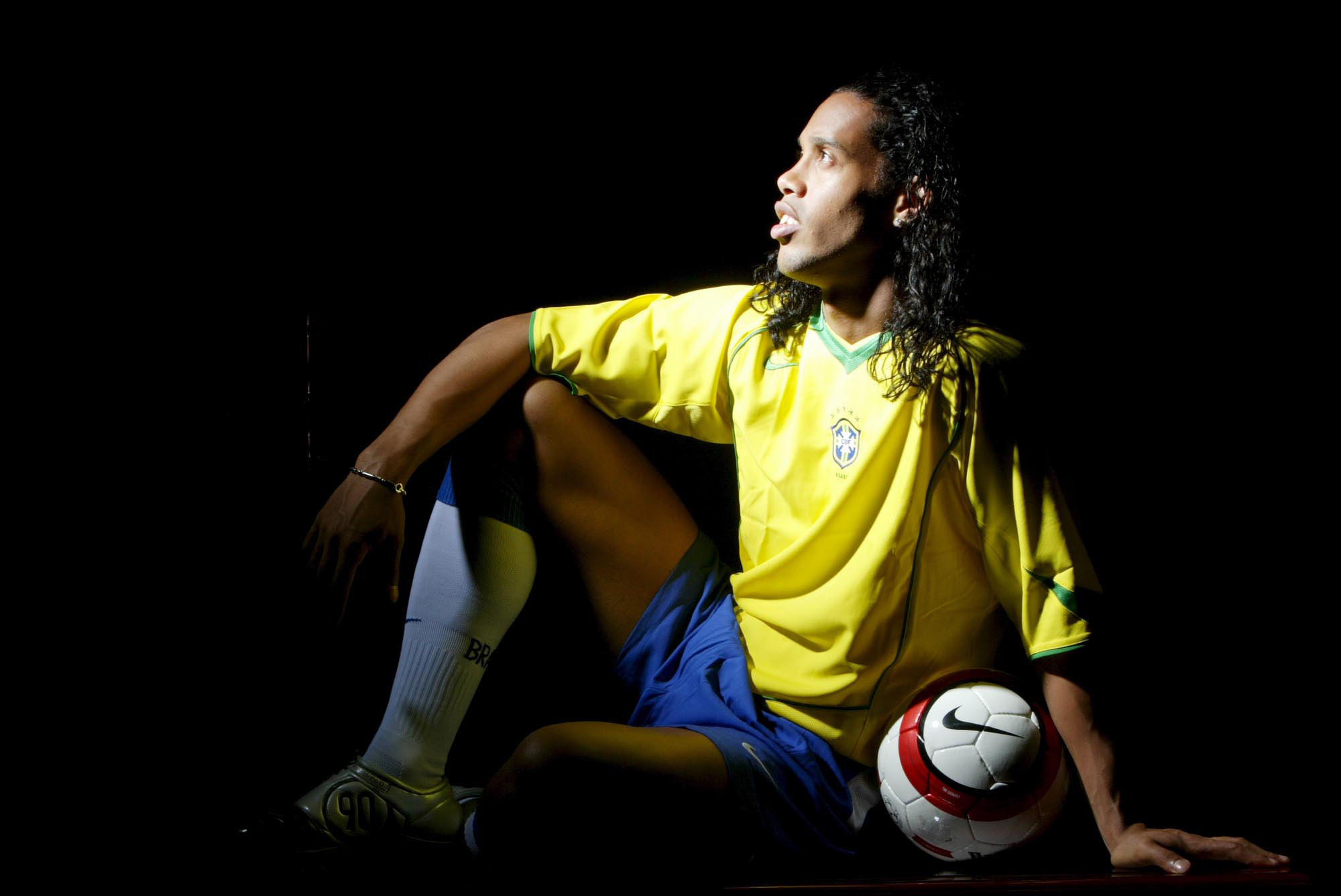 Ronaldinho (Paris, FRANCE, 2004) Copyright ALAIN GADOFFRE