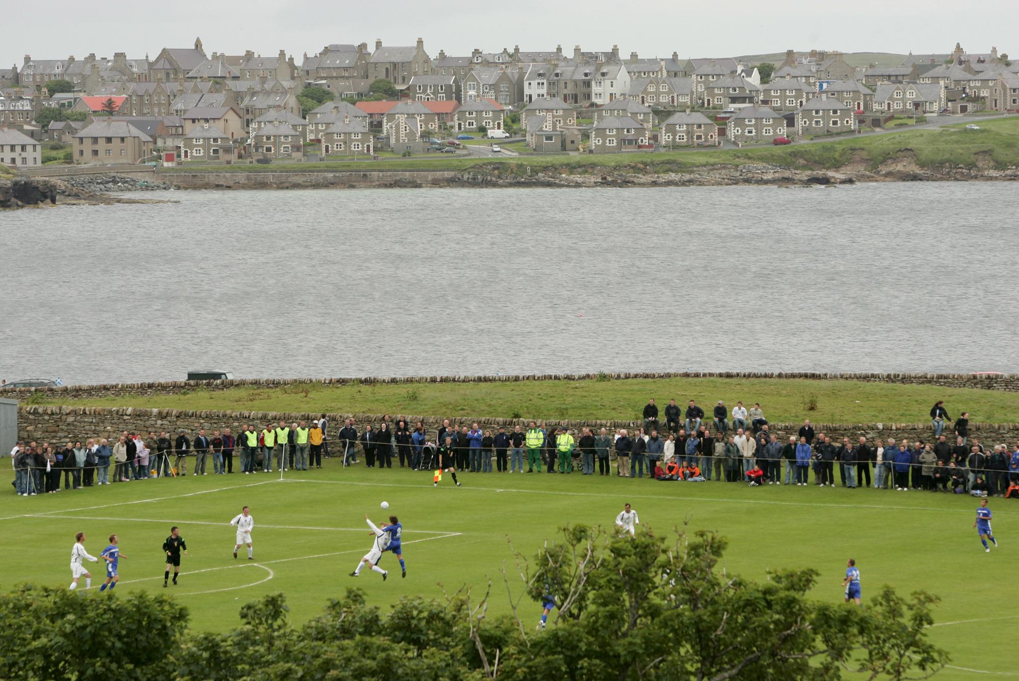 Iles Shetland vs Ile Saaremaa (Lerwick, Iles Shetland, ECOSSE, 2005) Copyright ALAIN GADOFFRE