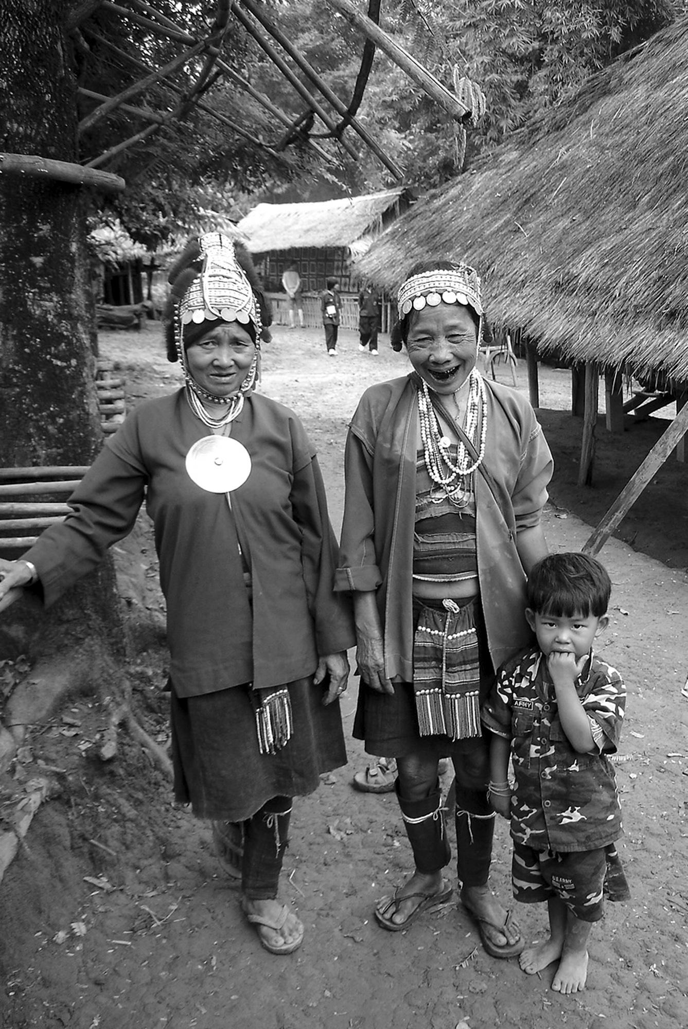 Mères Thailandaises (THAILANDE, 2004) Copyright JEAN-MARIE HERVIO