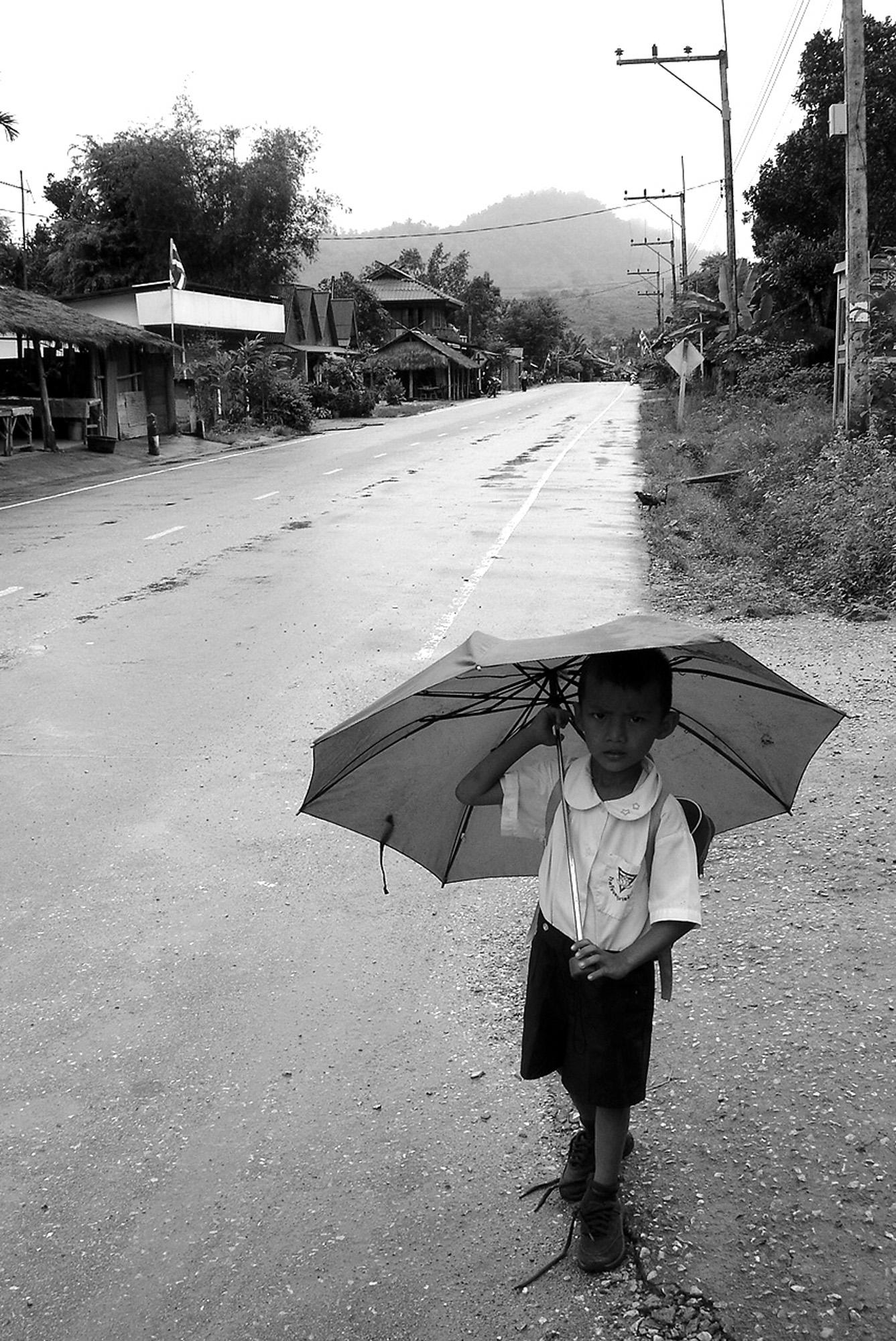 Ecolier Thailandais (THAILANDE, 2004) Copyright JEAN-MARIE HERVIO