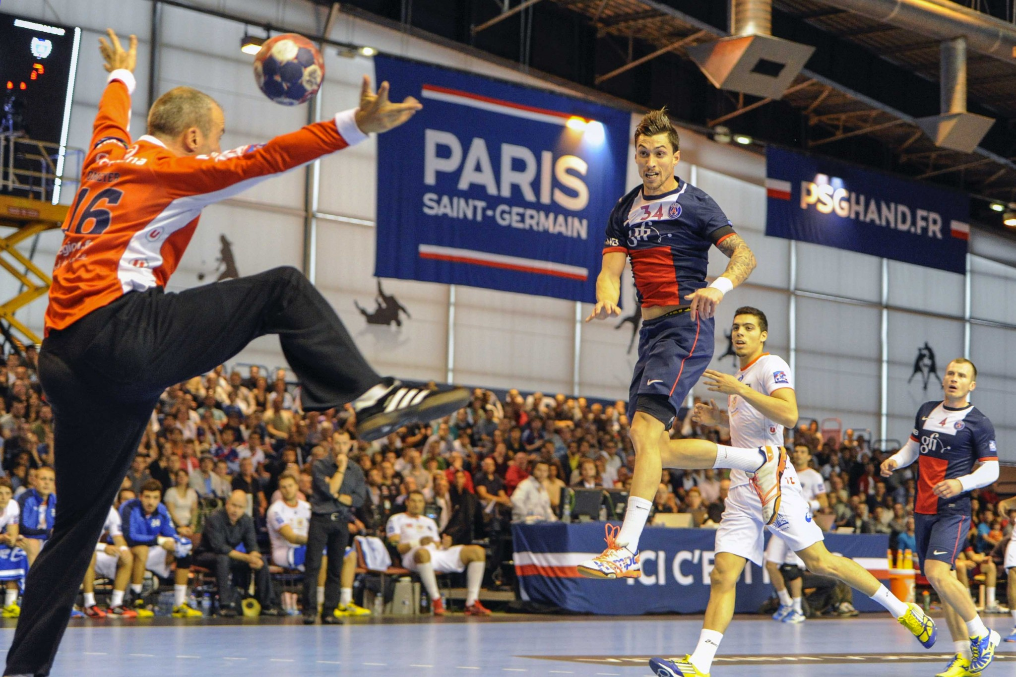 Samuel Honrubia (PSG vs Montpellier, Paris, FRANCE, 2013) Copyright ALAIN GADOFFRE